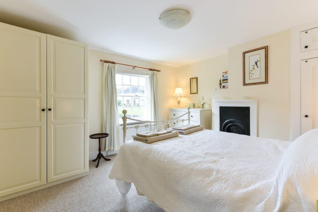 main bedroom holiday cottage steyning brighton